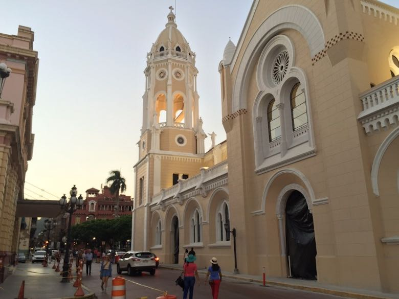 How to enjoy colorful Panama City to the fullest in Casco Viejo