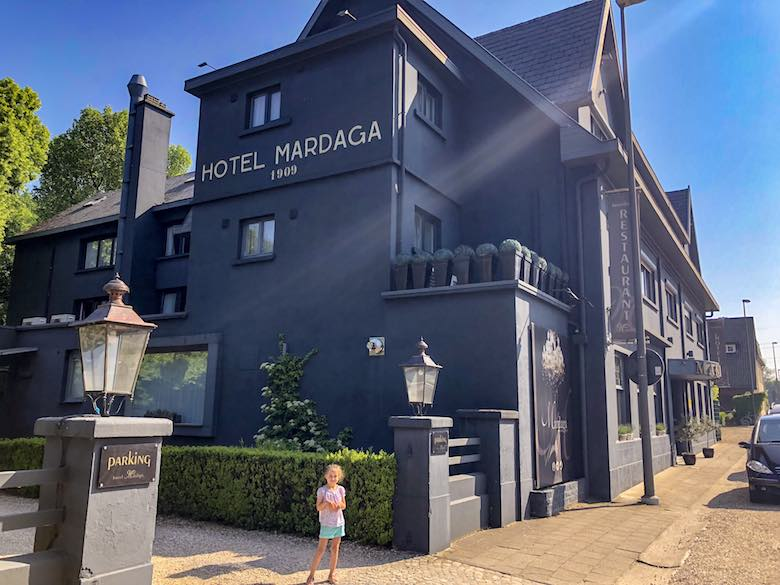 Voorgevel van Hotel Mardaga
