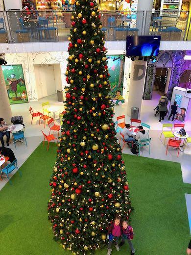 Mooie Kerstboom in Comics Station