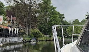Varen met een vleugje luxe: Ontdek Gent vanaf het water