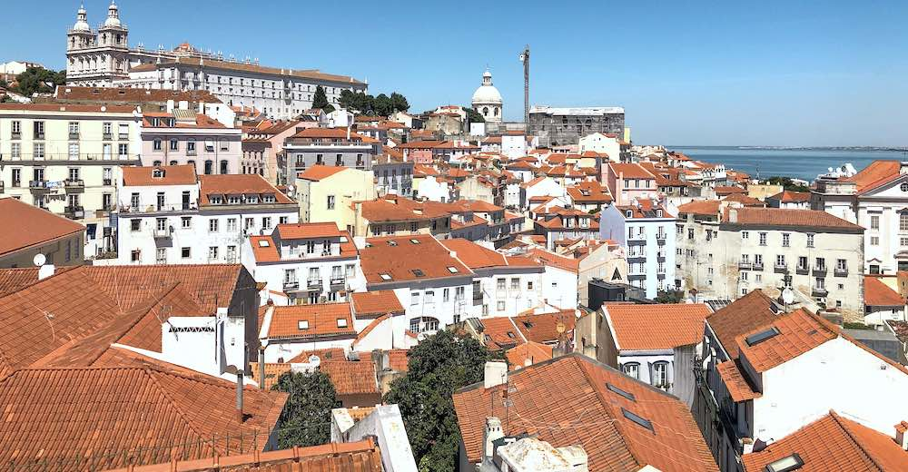 Cascais to Lisbon day trip to admire the rooftops of Lisbon from one of the miradouros