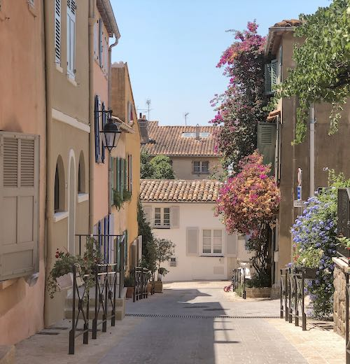 One of our favorite things to do in St Tropez is exploring the old town of La Ponch