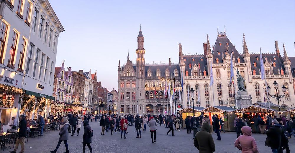 Bruges Christmas markets offer a mesmerizing decor