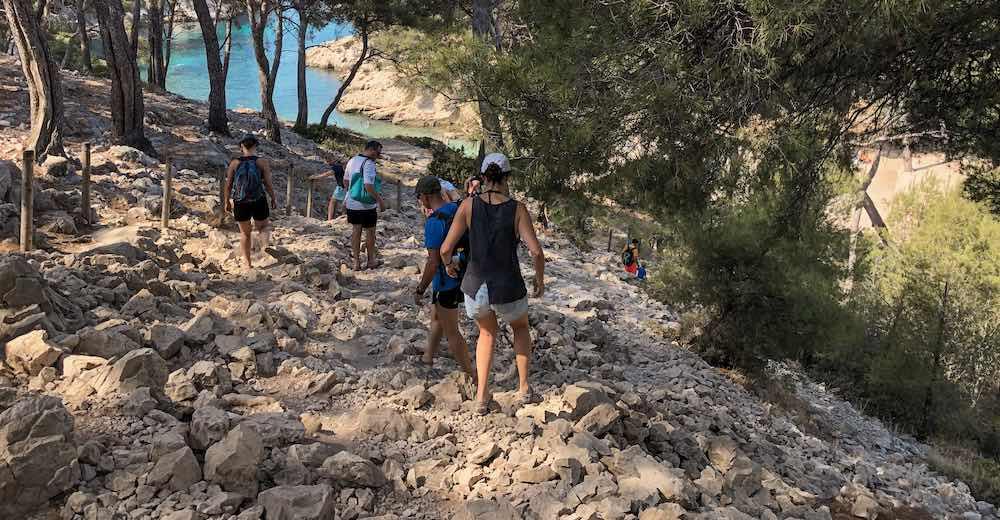Steep cliff side descent to reach Calanque de Port-Pin