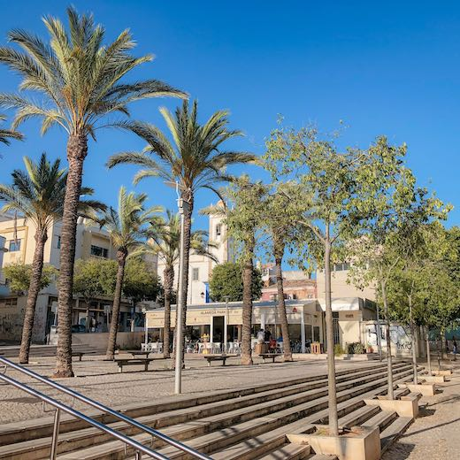 Portimao and especially Praia da Rocha are a great alternative for Albufeira in Algarve Portugal when you like a lively atmoshpere
