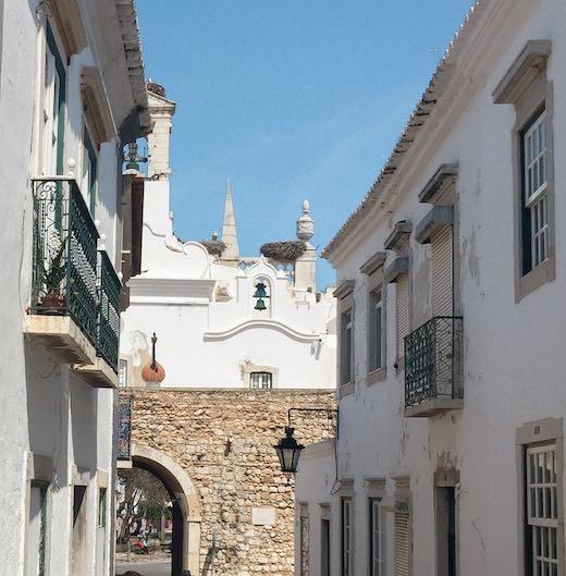 Arco do Repouso is one of the best things to see in Faro Portugal