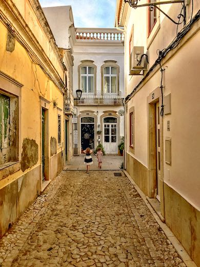 Exploring the cobbled streets of Loule is one of the best things to do near Faro Portugal