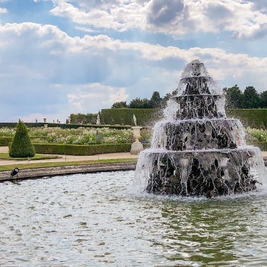 Check the Palace Versailles hours to see when the Musical Fountains show is planned