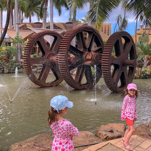 Best Hawaiian island for kids younger than 7 is Maui thanks to family friendly activities such as the Maui Tropical Plantation