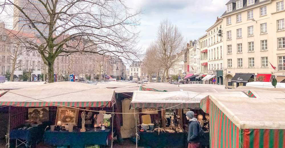What to do in Brussels for a day in the weekend is visiting the antiques market at Grand Sablon