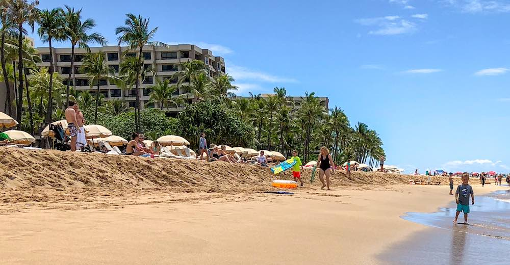 Families relaxing at Kaanapali Beach Maui