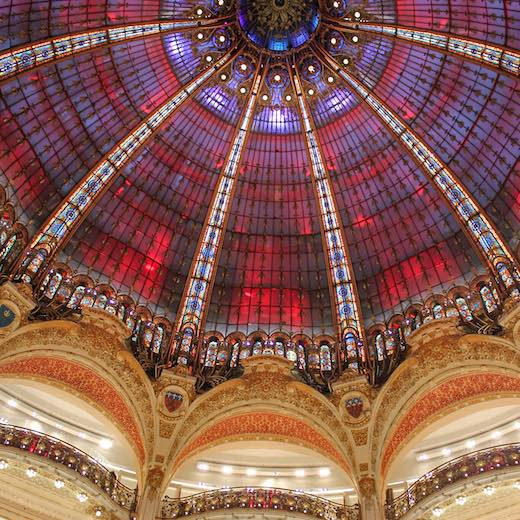 Many multi day Paris pass options include reductions at the Parisian shopping malls