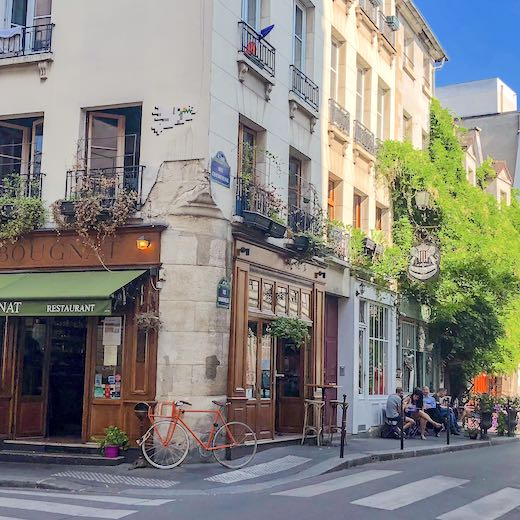 Beautiful facade with bike in the streets of Paris