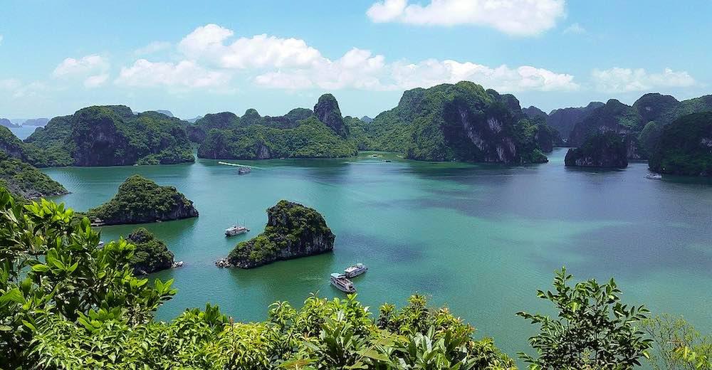 Beautiful scenery of Halong Bay