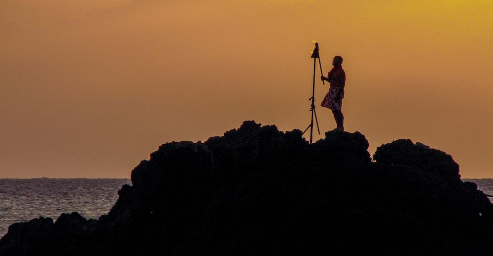 Watching the torch lighting and cliff diving ceremony is one of the top things to do in Maui for free