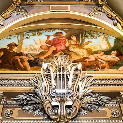 The lyre is a central ornament in Palais Garnier