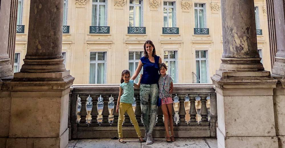 Mother and daughters at the Palais Garnier loggia