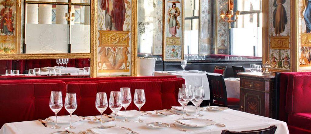Palais Royal restaurant Le Grand Véfour decor