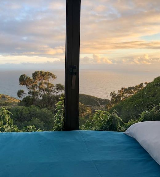 Rent a villa Portugal with a verdant view from the bedroom