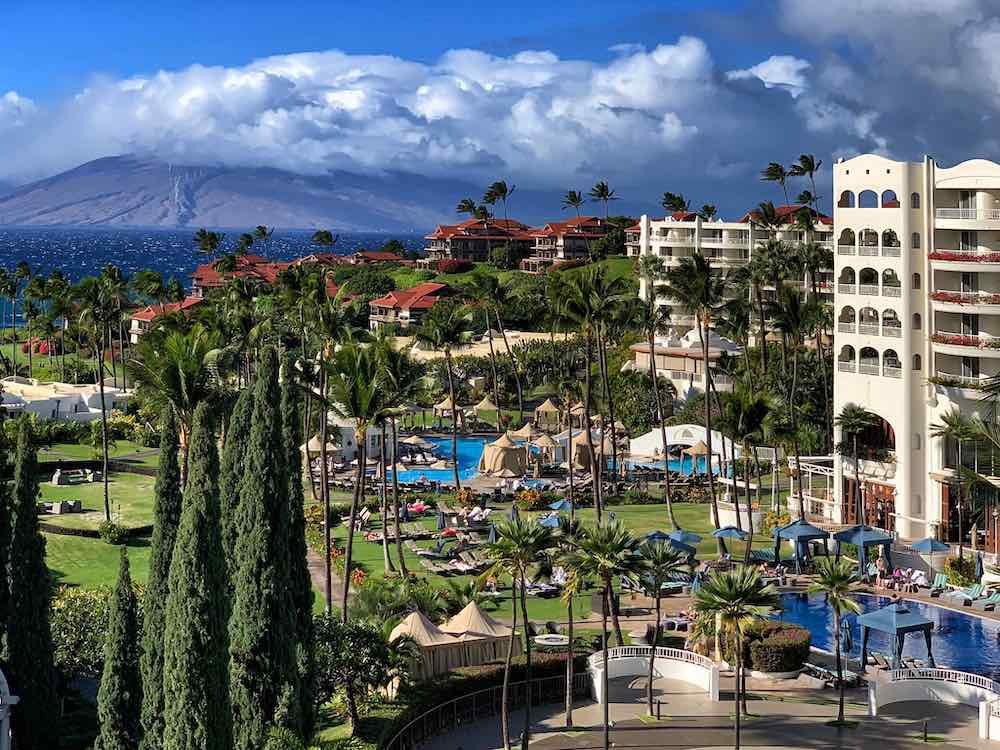 Pool and mountain views in one of the Maui Hawaii hotels in Wailea