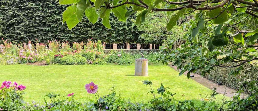 Bronze canon in the Jardin du Plais Royal in Paris