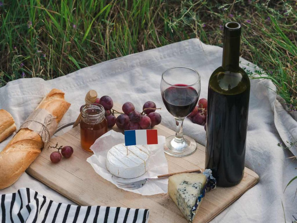 Picnic with French food in Paris